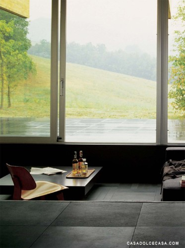 contemporanea. Black Bedroom Furniture Sets. Home Design Ideas